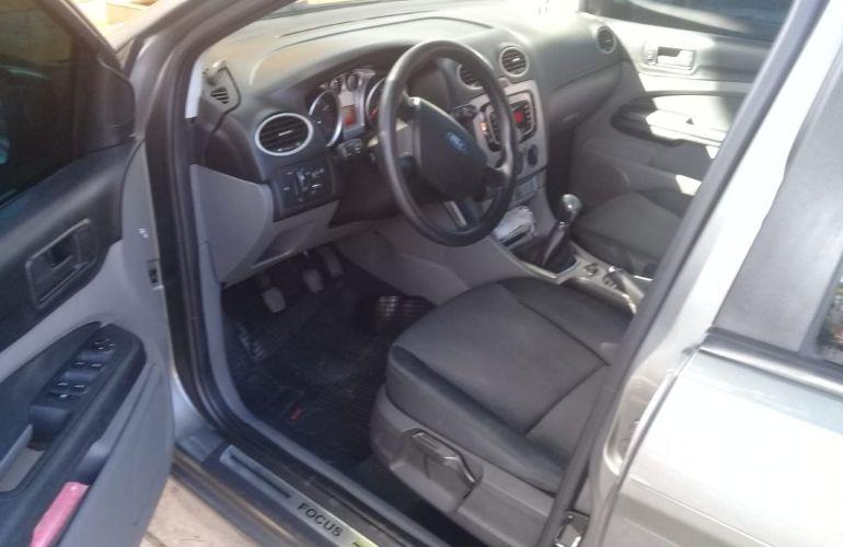 Ford Focus Sedan Ghia 2.0 16V Duratec - Foto #1