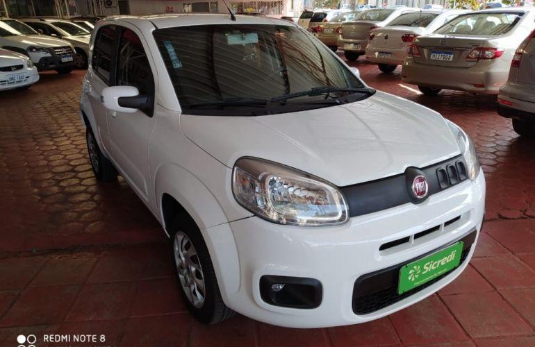 Fiat Uno Attractive 1.0 (Flex) - Foto #2