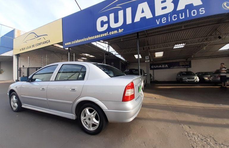 Chevrolet Astra Sedan Expression 2.0 8V - Foto #2