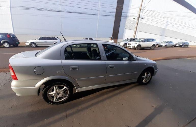 Chevrolet Astra Sedan Expression 2.0 8V - Foto #4