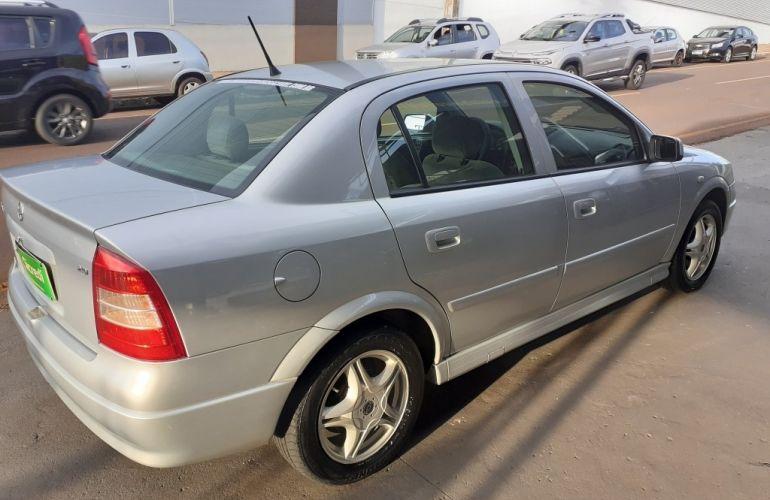 Chevrolet Astra Sedan Expression 2.0 8V - Foto #6