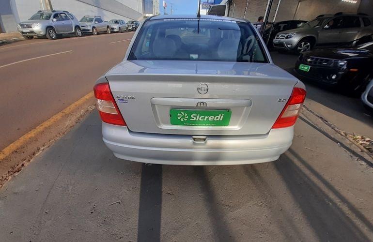 Chevrolet Astra Sedan Expression 2.0 8V - Foto #8