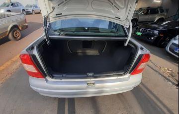 Chevrolet Astra Sedan Expression 2.0 8V - Foto #9