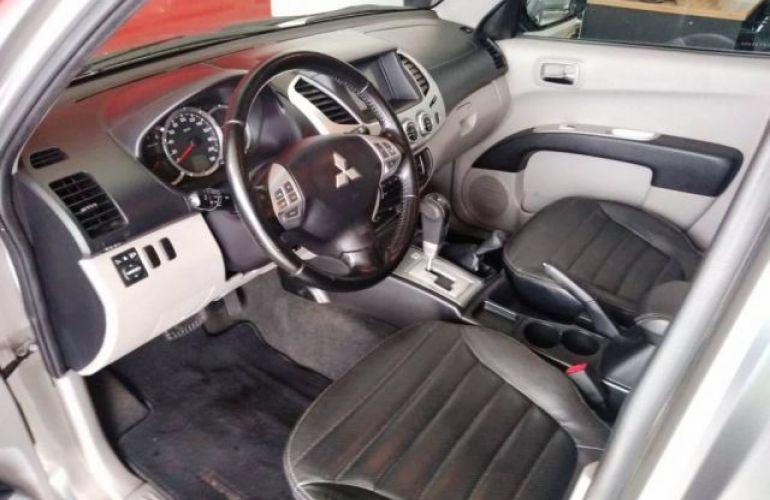 Mitsubishi L200 Triton HPE 4x4 Cabine Dupla 3.2 16V - Foto #10