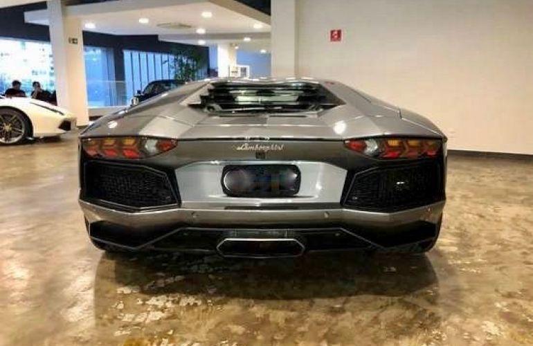 Lamborghini Aventador LP 700-4 6.5 V12 - Foto #3