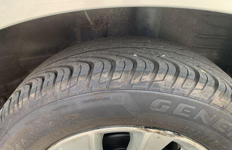 Chevrolet Spin LTZ 7S 1.8 (Aut) (Flex) - Foto #6
