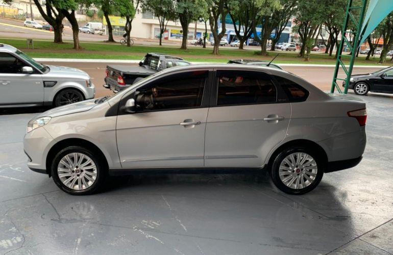 Fiat Grand Siena Essence 1.6 16V (Flex) - Foto #1