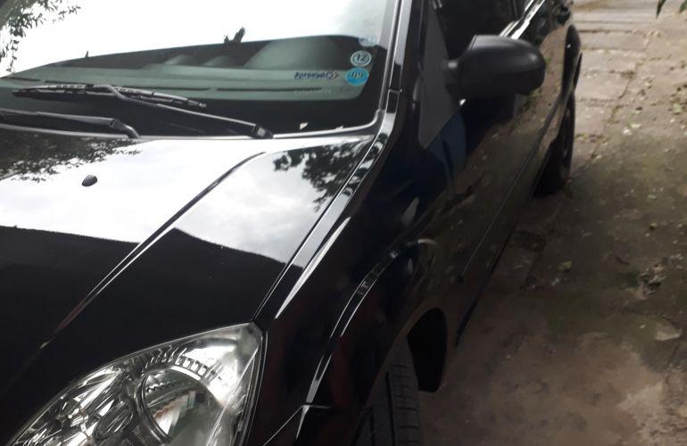 Ford Fiesta Hatch 1.0 - Foto #5