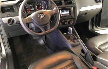 Volkswagen Jetta Trendline Tiptronic 1.4 TSI - Foto #8