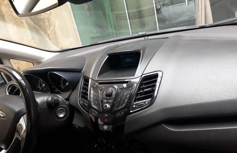 Ford New Fiesta Sedan 1.6 Titanium PowerShift (Flex) - Foto #7