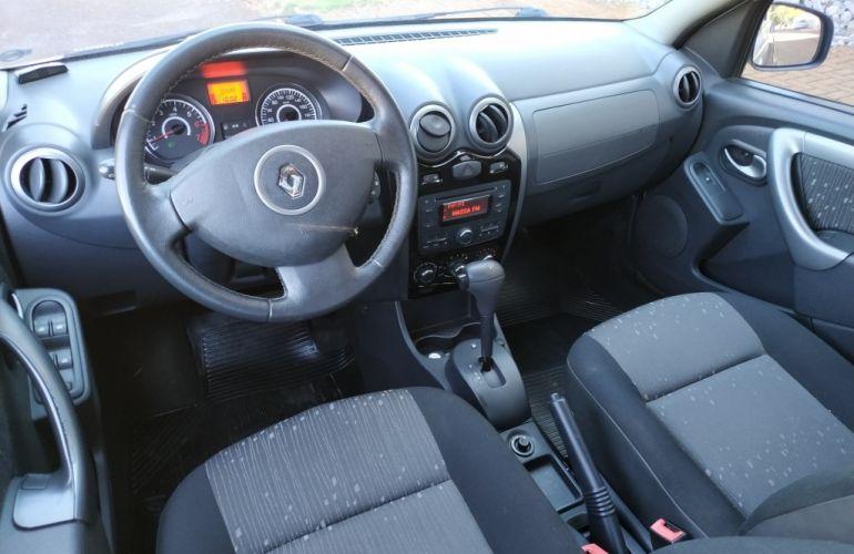 Renault Logan Expression 1.6 16V (Flex) (aut) - Foto #8
