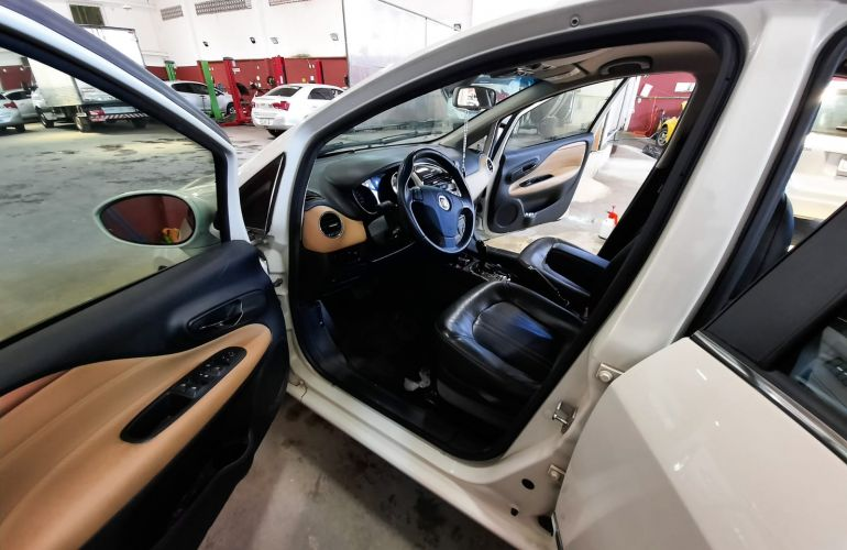 Fiat Linea Absolute 1.8 16V Dualogic (Flex) - Foto #1