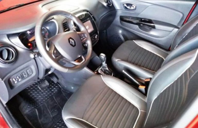 Renault Captur Intense X-Tronic 1.6 16v (Aut) - Foto #8