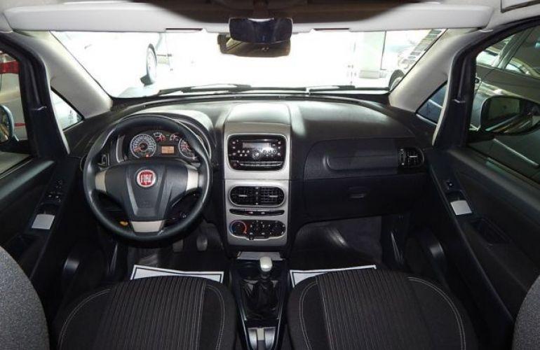 Fiat Idea Essence 1.6 16V Flex - Foto #5