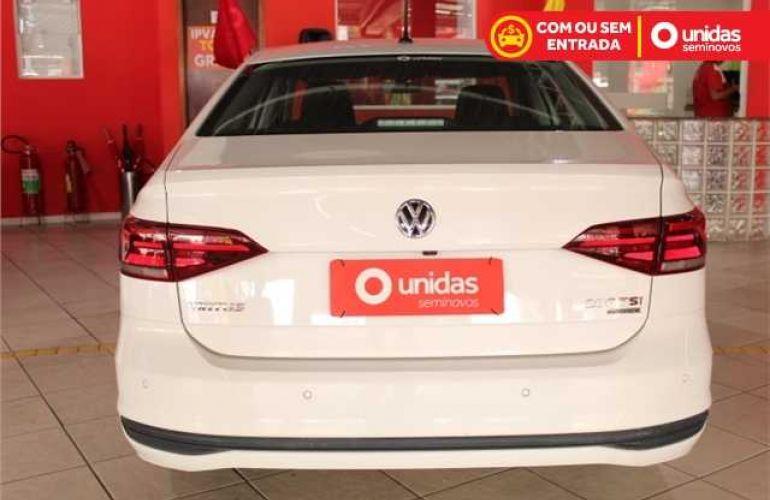 Volkswagen Virtus 200 TSI Comfortline (Aut) (Flex) - Foto #5