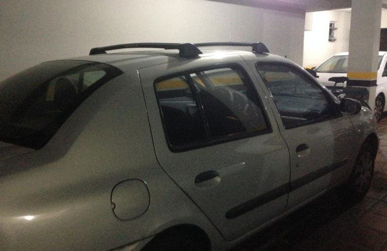 Renault Clio Sedan Expression 1.0 16V (flex) - Foto #1