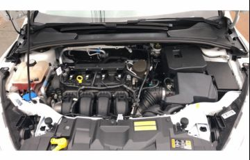 Ford Focus Sedan SE 2.0 16V PowerShift (Aut) - Foto #9