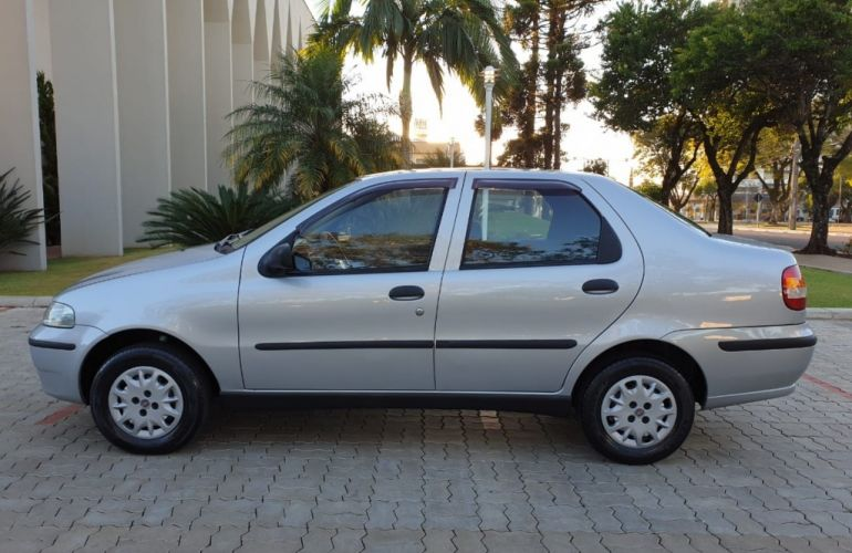 Fiat Siena 1.0 MPi (6 Marchas) - Foto #4