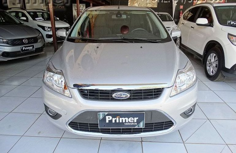 Ford Focus Sedan GLX 2.0 16V - Foto #2