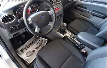 Ford Focus Sedan GLX 2.0 16V - Foto #6