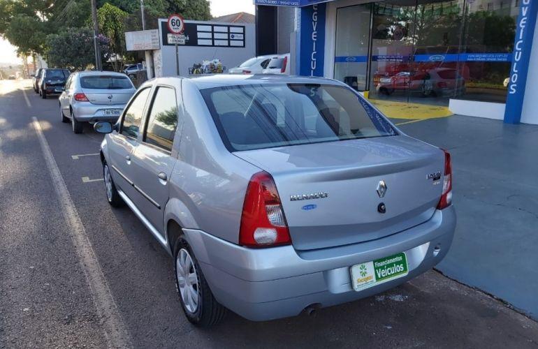 Renault Logan Expression 1.6 8V (Flex) - Foto #3