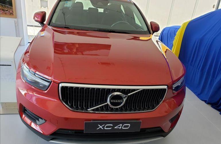 Volvo XC40 2.0 T4 Momentum AWD Geartronic - Foto #2