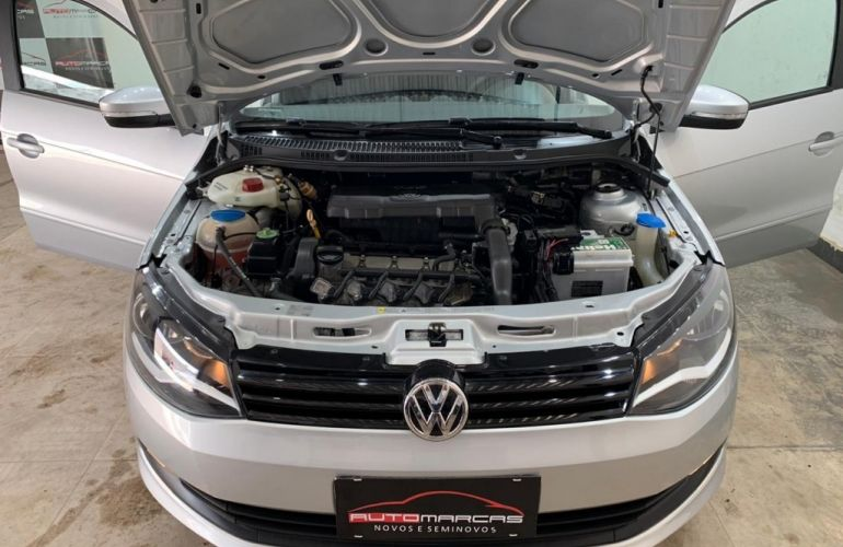 Volkswagen Voyage 1.0 MPI Comfortline (Flex) - Foto #4