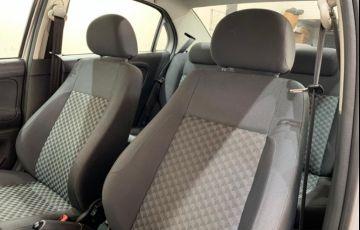 Volkswagen Voyage 1.0 MPI Comfortline (Flex) - Foto #10