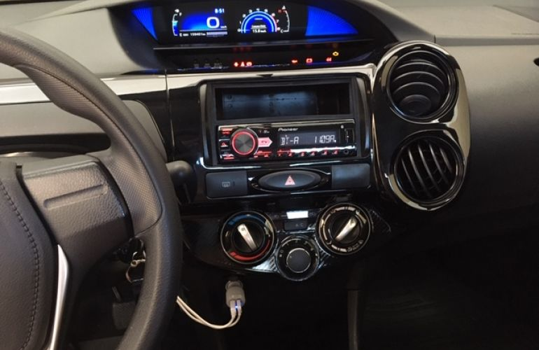 Toyota Etios Sedan X 1.5 (Flex) - Foto #8