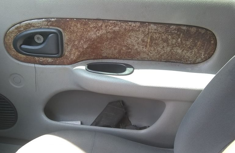 Renault Clio Hatch. Expression 1.6 16V - Foto #6