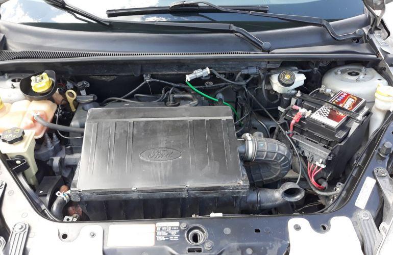 Ford Fiesta Sedan 1.0 (Flex) - Foto #2