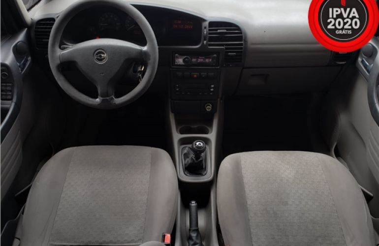 Chevrolet Zafira 2.0 MPFi Comfort 8V Flex 4p Manual - Foto #2