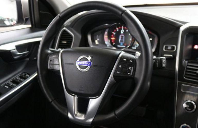 Volvo XC60 Momentum 2.0 Turbo - Foto #9