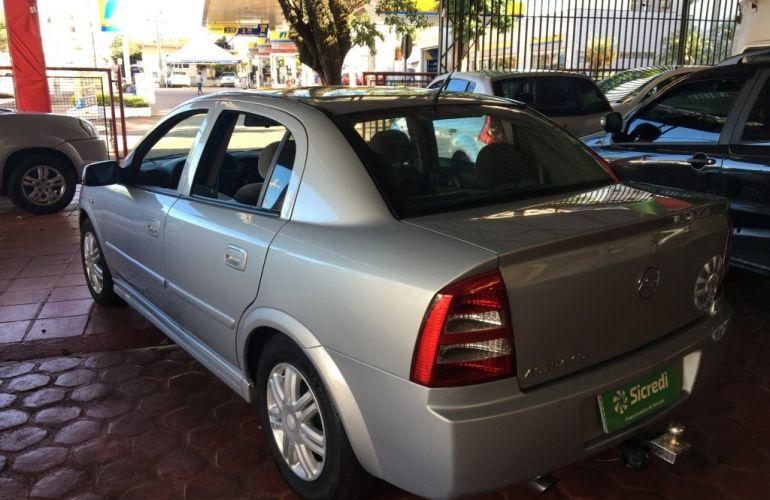 Chevrolet Astra Sedan 2.0 8V - Foto #4