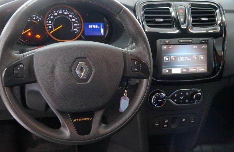 Renault Sandero Stepway 1.6 8V - Foto #6