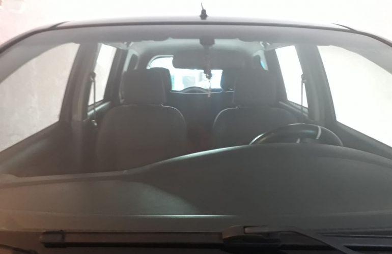 Nissan Livina 1.6 16V (flex) - Foto #2