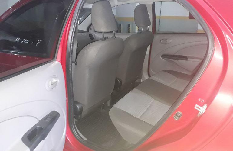 Toyota Etios Sedan XS 1.5 (Flex) - Foto #8