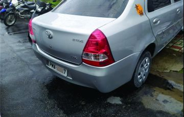 Toyota Etios Sedan X 1.5 (Flex)