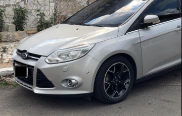 Ford Focus Hatch Titanium 2.0 16V PowerShift - Foto #1