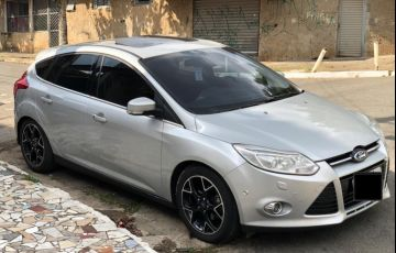 Ford Focus Hatch Titanium 2.0 16V PowerShift - Foto #2