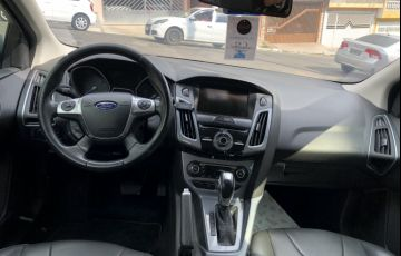 Ford Focus Hatch Titanium 2.0 16V PowerShift - Foto #7
