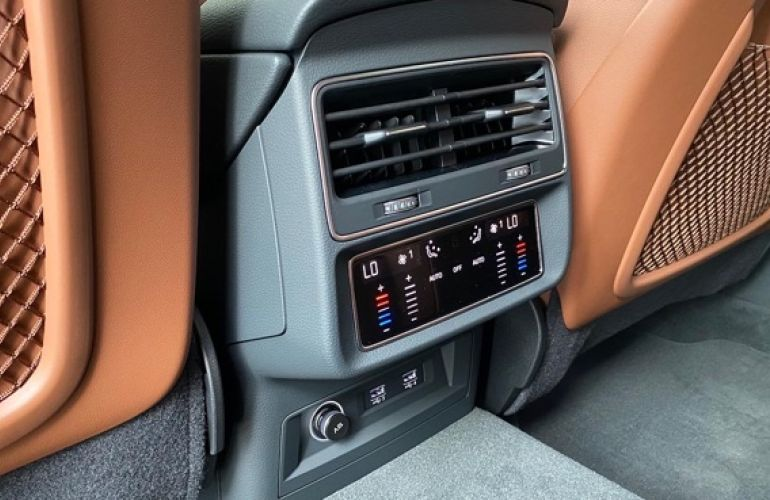 Audi Q8 3.0 TFSI Performance Black Quattro - Foto #3