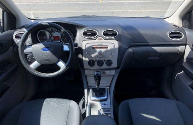 Ford Focus Sedan GLX 2.0 16V (Flex) - Foto #3