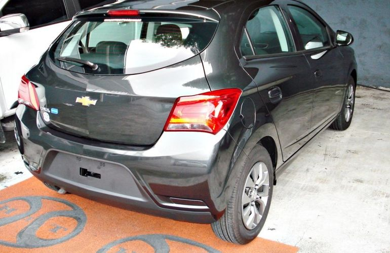 Chevrolet Onix 1.4 MPFi Advantage 8v - Foto #6