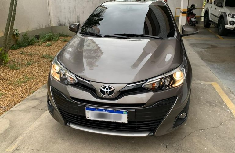 Toyota Yaris Sedan 1.5 XLS CVT (Flex) - Foto #1