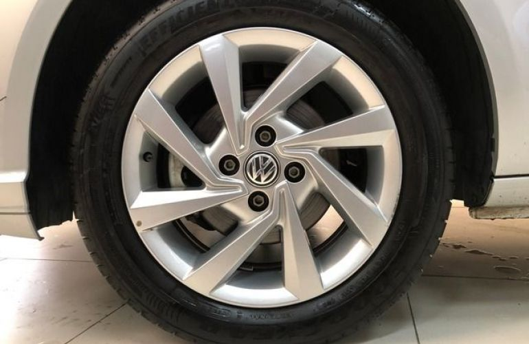 Volkswagen Voyage 1.6 Mi 8V Total Flex - Foto #9