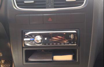 Volkswagen Fox 1.0 8V (Flex) 4p - Foto #7