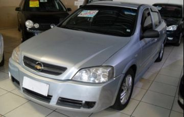Chevrolet Astra Sedan Elegance 2.0 Mpfi 8V Flexpower - Foto #2