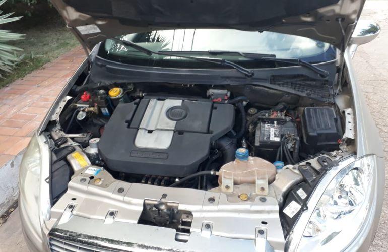 Fiat Linea Essence 1.8 16V Dualogic (Flex) - Foto #5