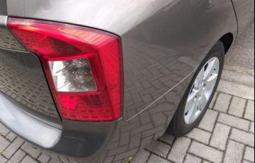 Kia Carens EX 2.0 16V - Foto #5